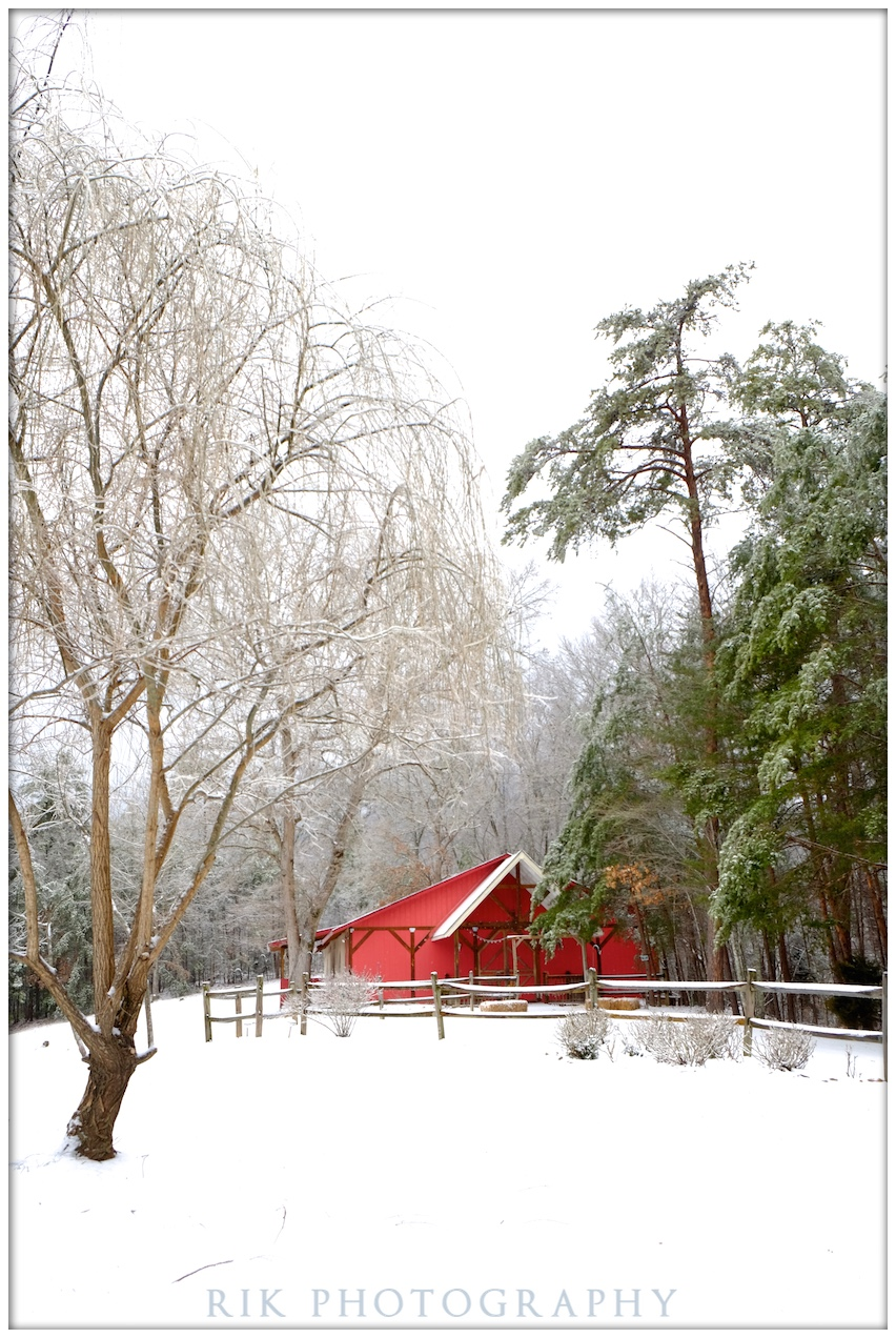 The big red barn event center at Bluff Mountain Inn